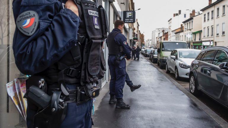 Equipage de la Police nationale à Lyon © Tim Douet