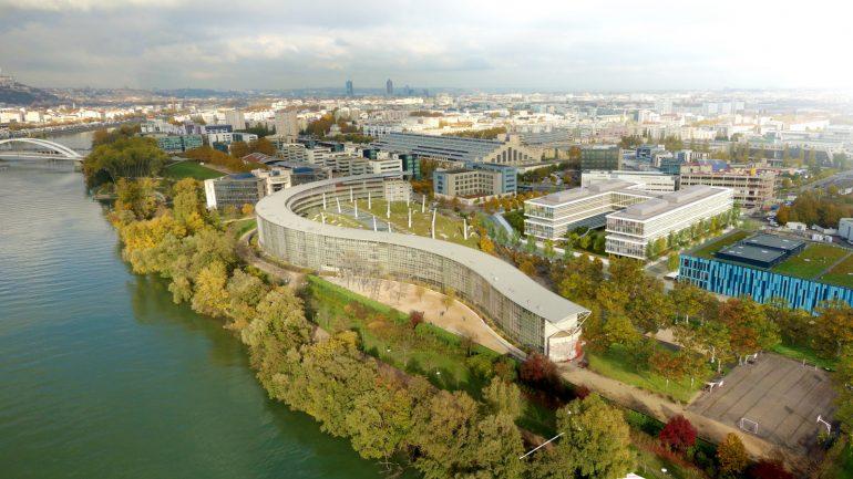 Lyon7e / Gerland – Au premier plan, la Cité scolaire internationale © DR