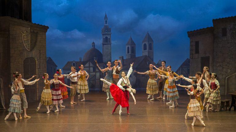 Don Quixote, par la Compania nacional de danza – Chorégraphie José Carlos Martinez © Jesus Vallinas