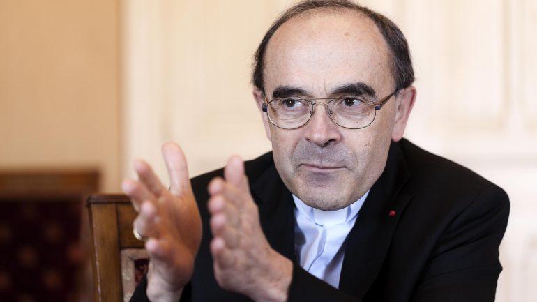 Le cardinal Philippe Barbarin, dans son bureau du diocèse, en mai 2015 © Tim Douet