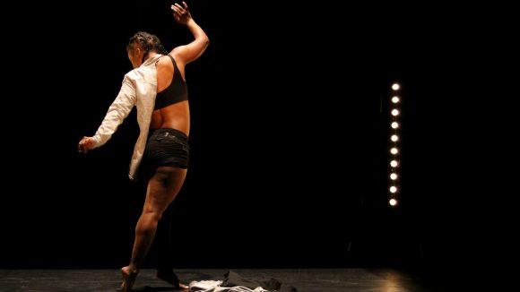 Cabine d'essayage – Chorégraphie Jessica Noita © FG
