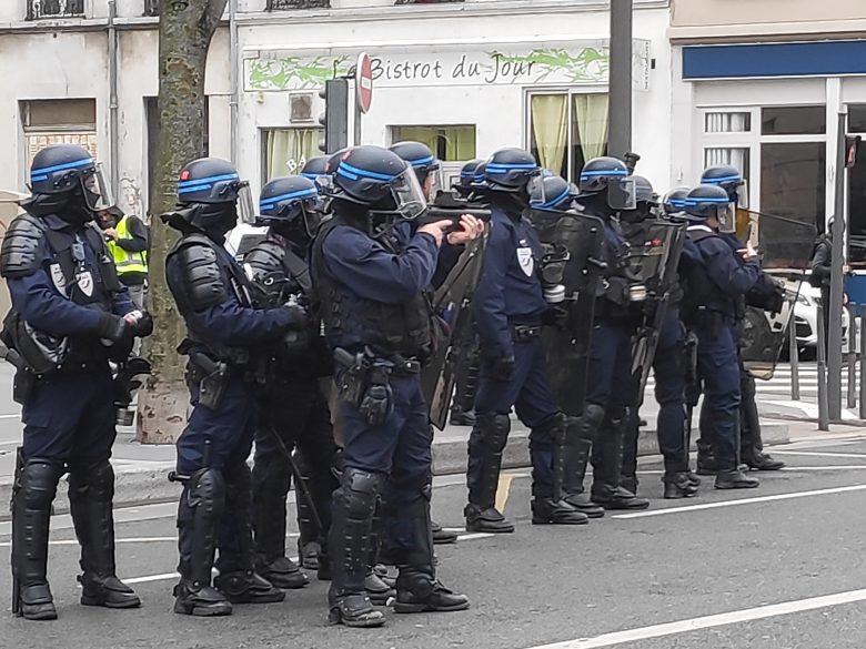 Gilets jaunes : deux interpellations à Lyon pour l'acte XIX