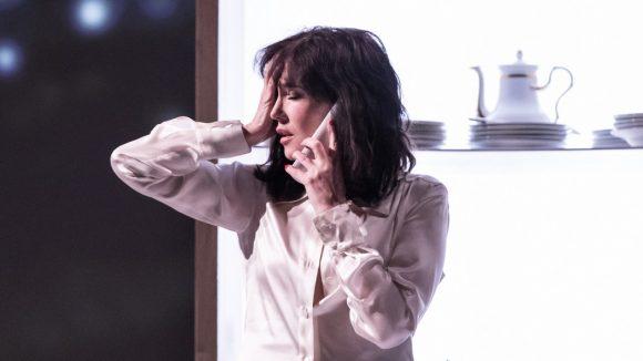 Isabelle Adjani dans Opening Night – Mise en scène Cyril Teste © Simon Gosselin