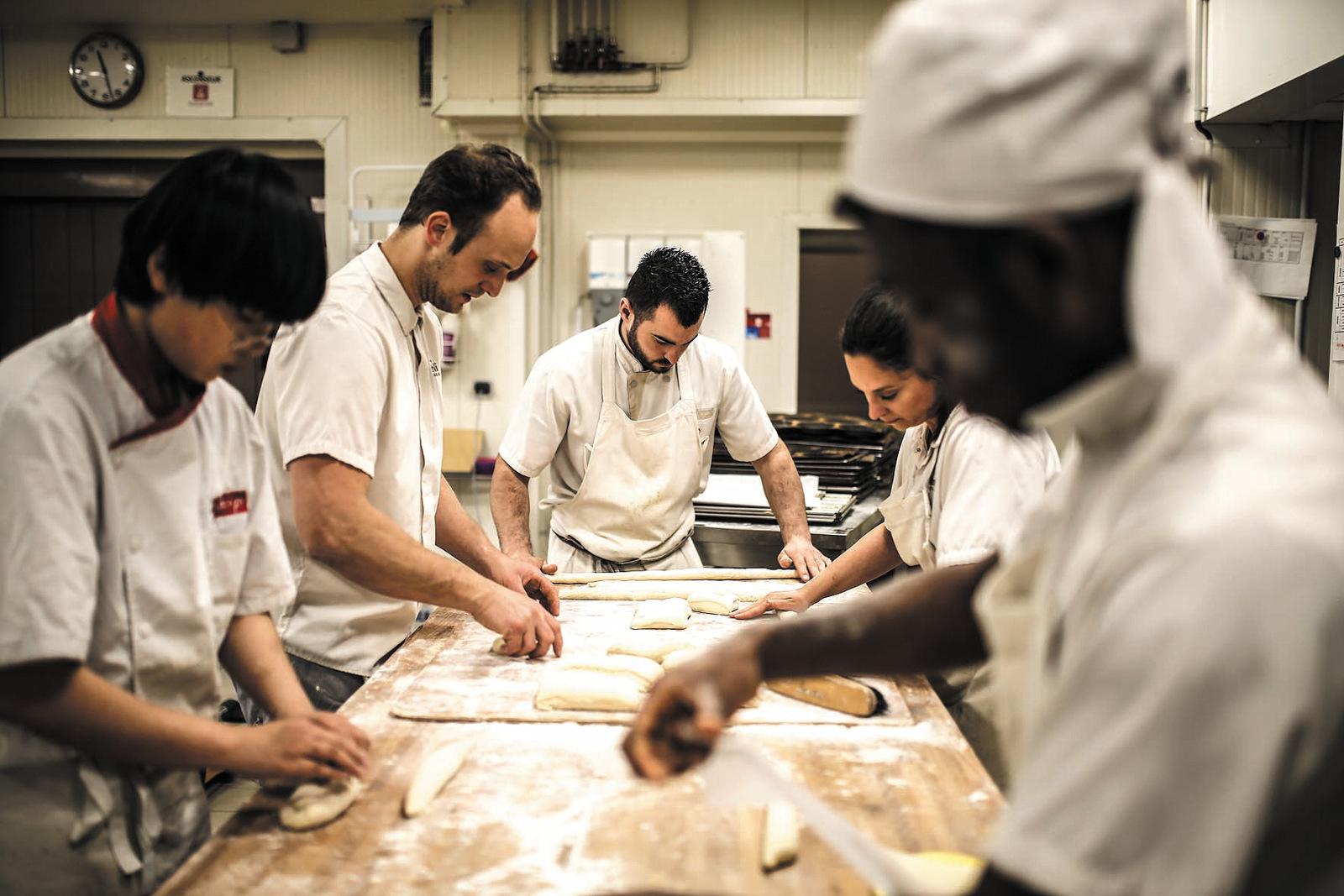 Dans le laboratoire de la boulangerie Pozzoli, à Gerland © Antoine Merlet
