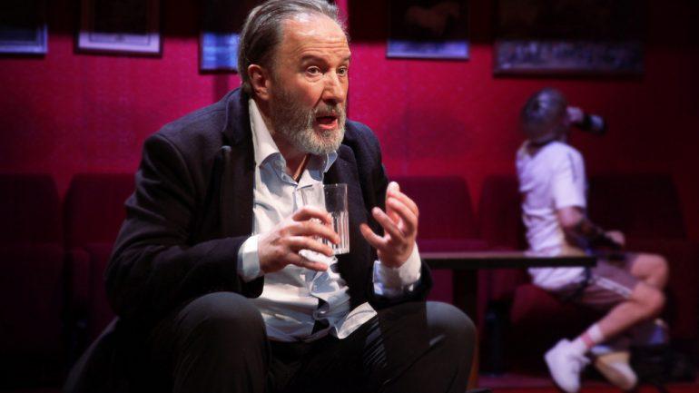 """André Marcon dans """"Le Faiseur de théâtre"""" de Thomas Bernhard – Mise en scène Christophe Perton © Fabien Cavacas"""