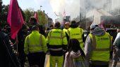 Manifestation des éboueurs de Pizzorno devant la Métropole © Simon Alves