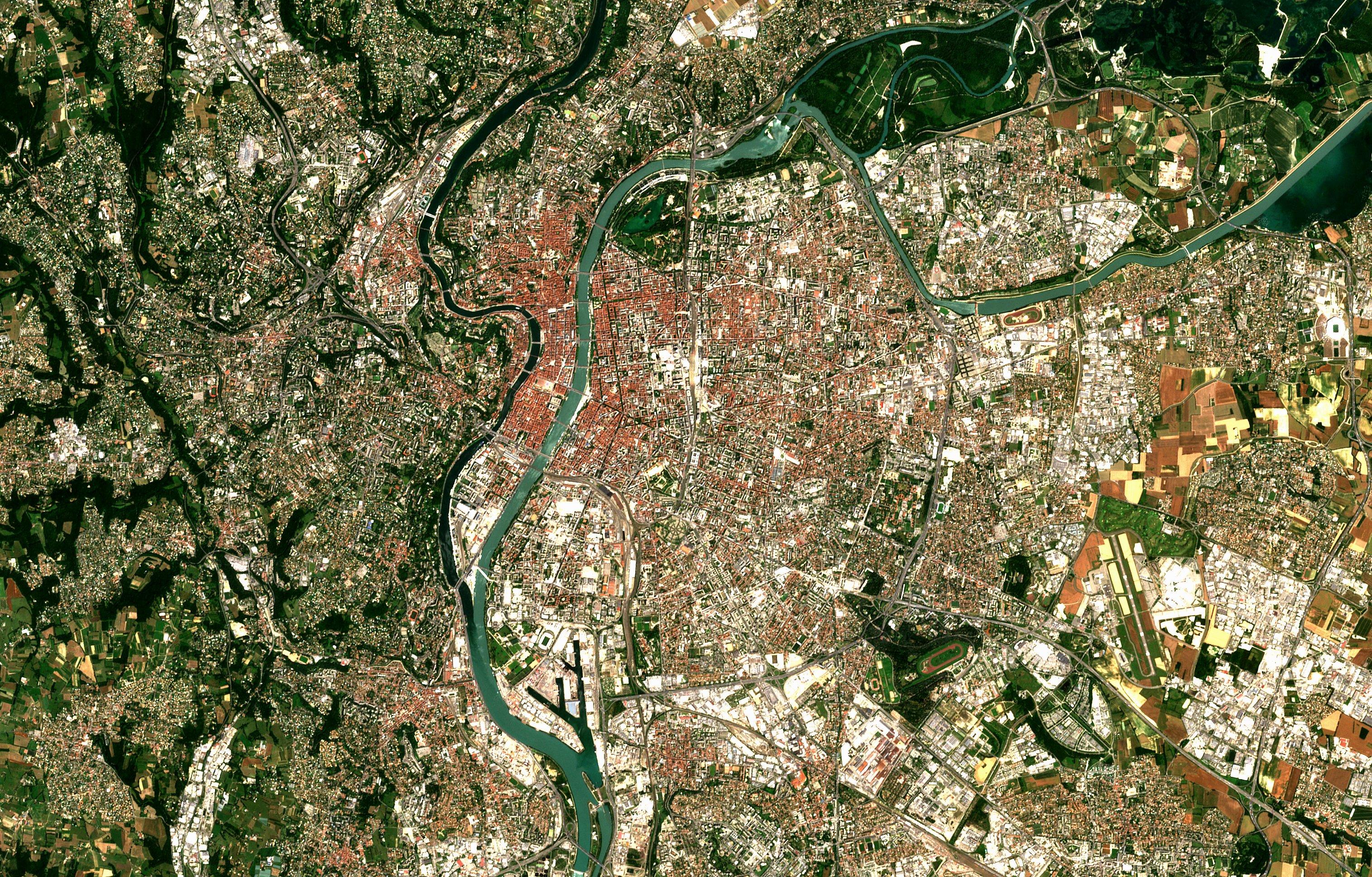 Une photo satellite renversante de Lyon vue de l'espace