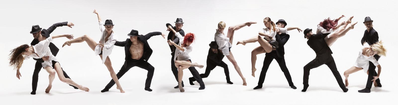 Dance me – Ballets Jazz de Montréal © Marc Montplaisir