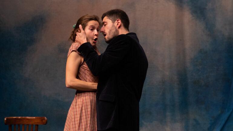 """Héloïse Lecointre et Arthur Fourcade dans """"Dom Juan"""" – Mise en scène Olivier Maurin © Michel Cavalca"""