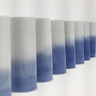 Florian de la Salle – Insolants, 2017. Cylindres de porcelaine © Musée des arts décoratifs et du design de Bordeaux