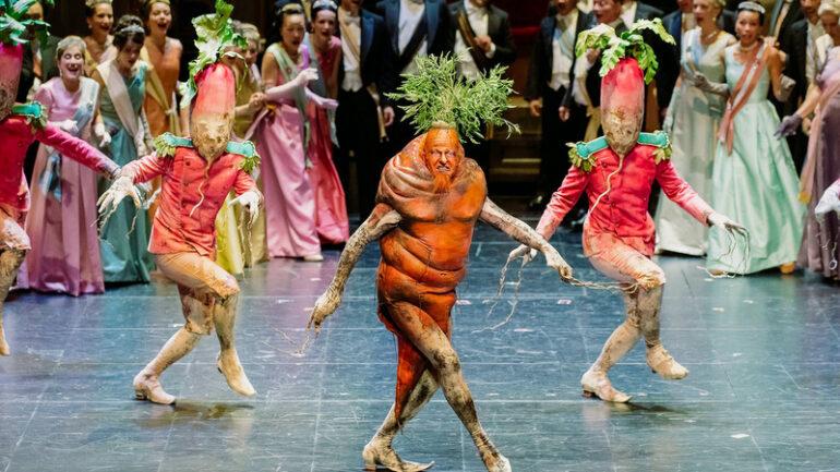 Le Roi Carotte – Mise en scène Laurent Pelly © Blandine Soulage