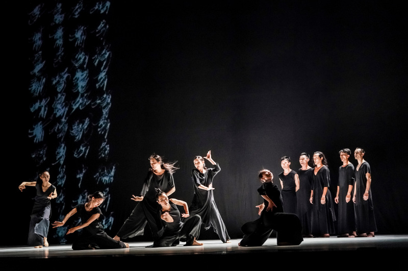 Thirteen tongues – Cloud Gate Dance Theatre © DR