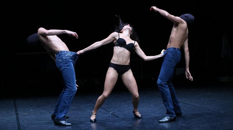 L'Homme à la tête de chou – Chorégraphie Jean-Claude Gallotta © Guy Delahaye
