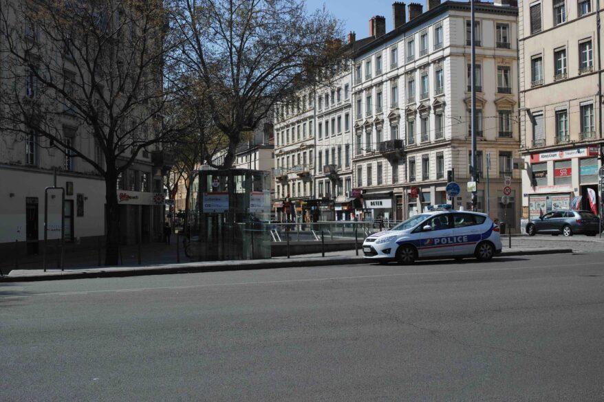 Coronavirus à Lyon - police à la Guillotière