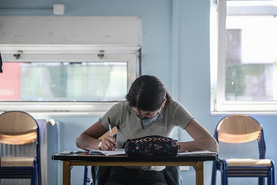 Les collégiens doivent désormais porter le masque à l'école © Antoine Merlet
