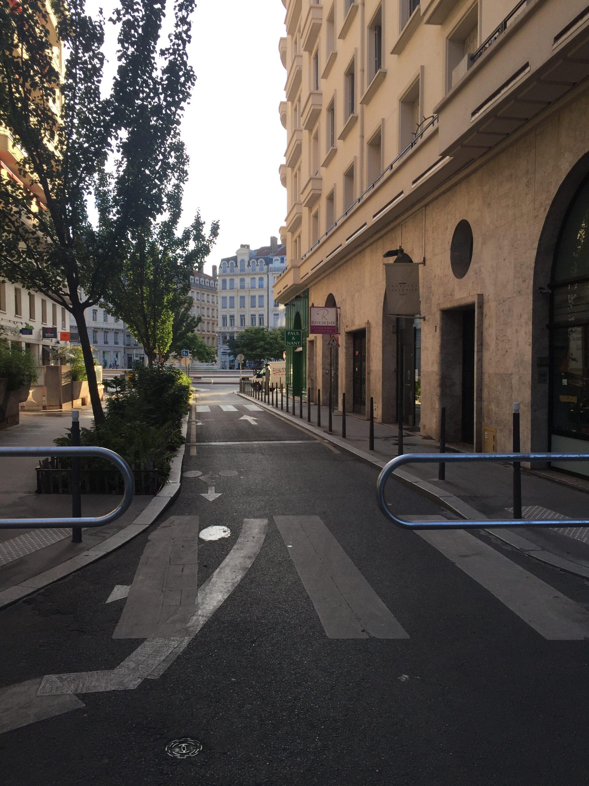 rue Jean fabre fermée piétonne