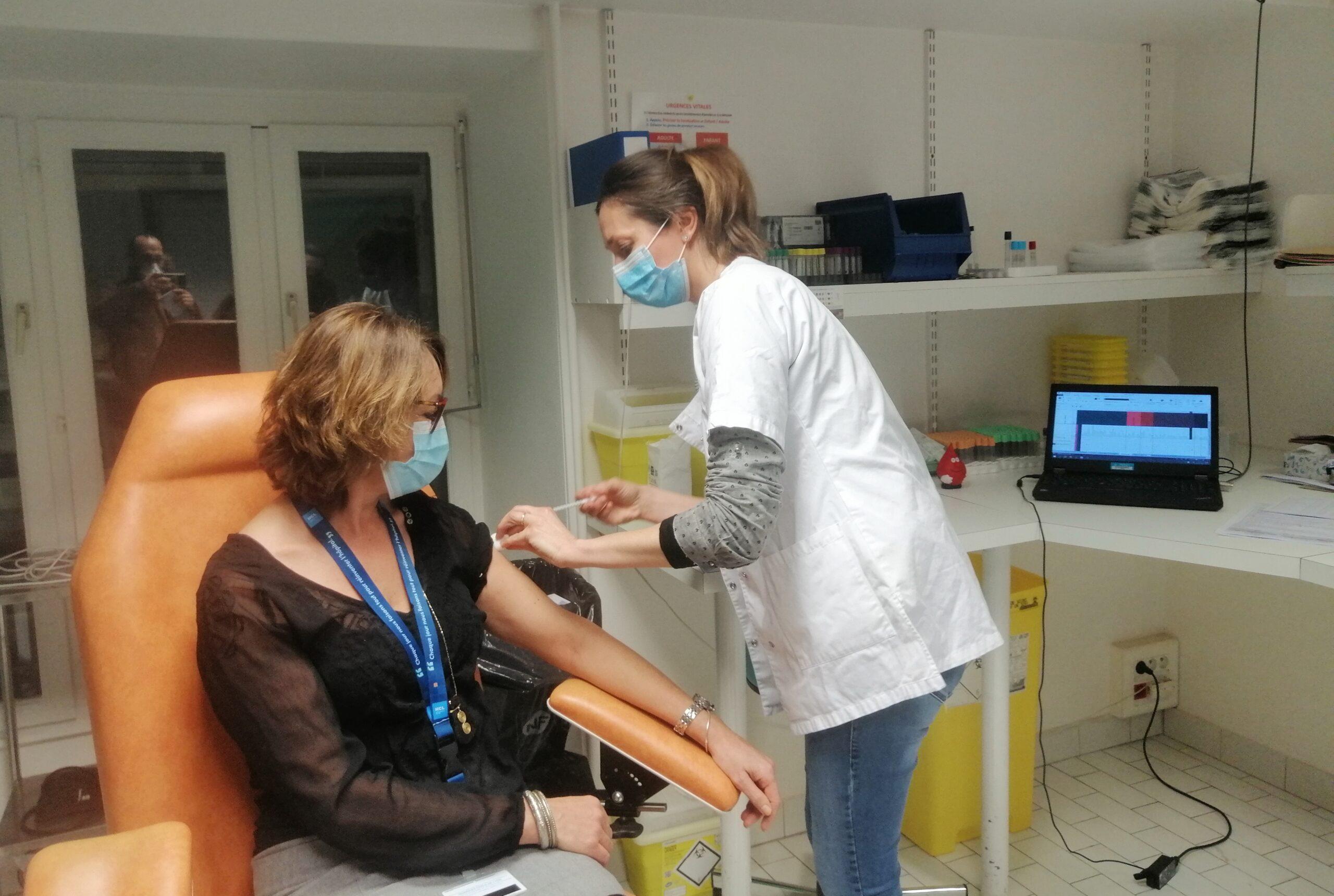 Premières vaccinations contre la covid-19 à l'hôpital de la Croix-Rousse à Lyon © Paul Terra