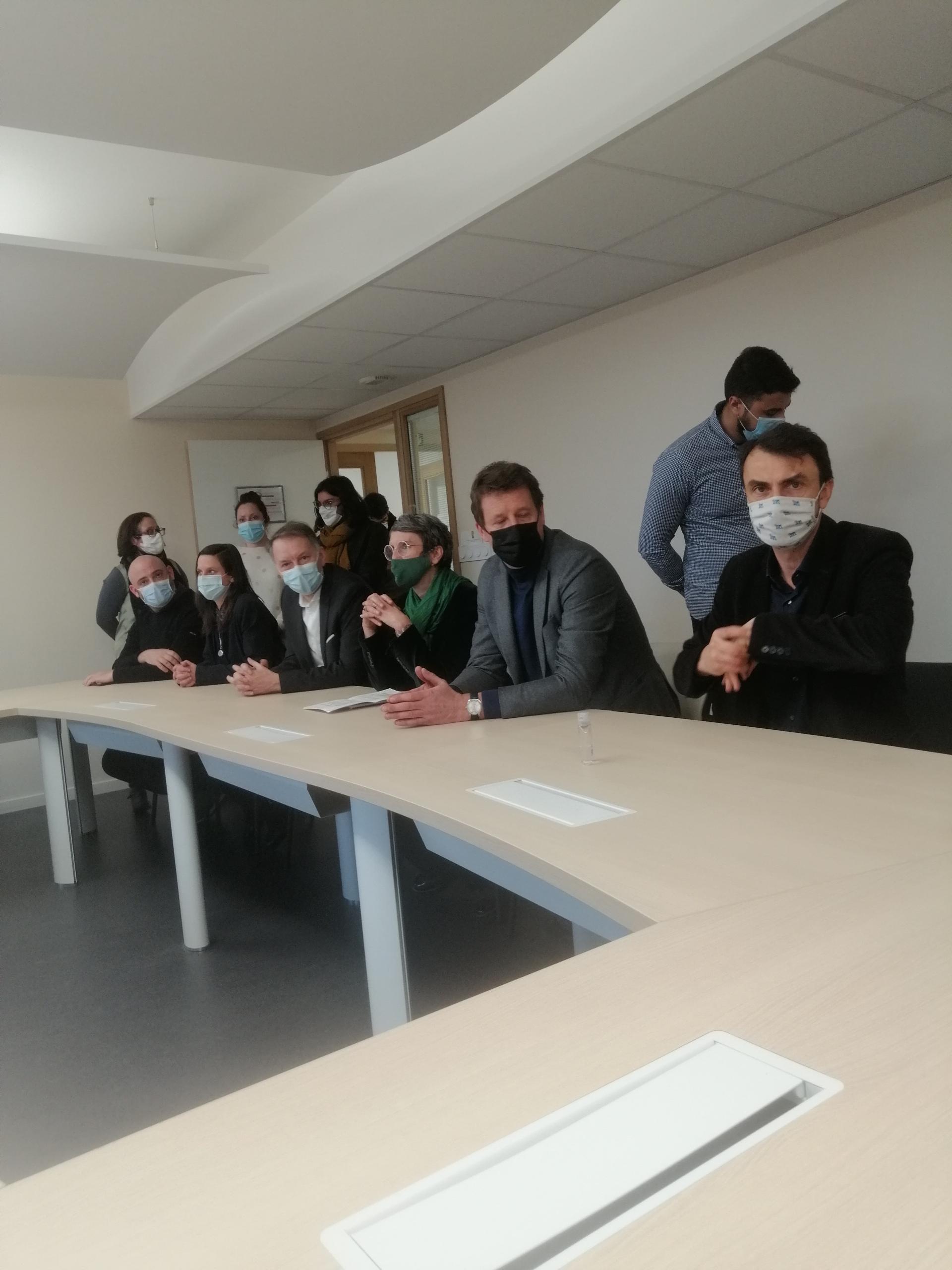 Les élus écologistes lyonnais lors d'une visite de Fabienne Grébert et Yannick Jadot