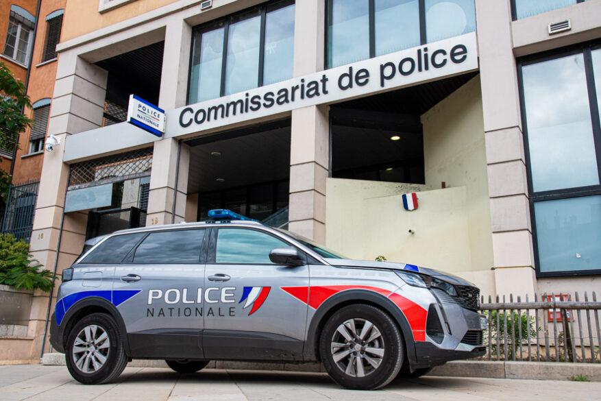 Lyon : un homme vole du parfum et insulte des agents de sécurité avec des propos à caractère raciste